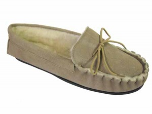 M002 - Mens Piecrust Suede Moccasin