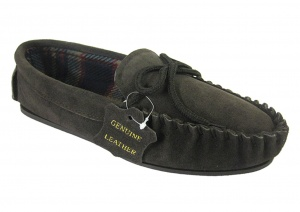 M006 - Men's Traditional Real Suede Moccasin